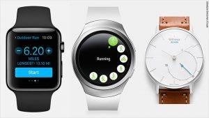 151208182846-smartwatch-fitness-screens-780x439