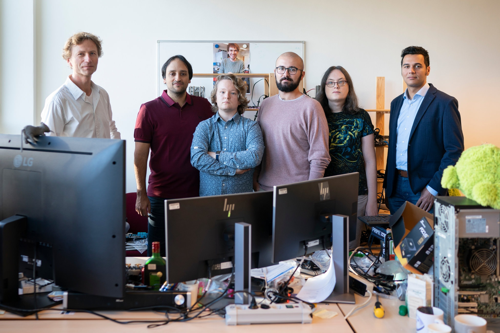 echipa cercetare vulnerabilitate zombieload intel