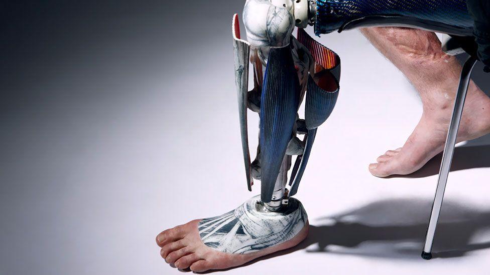 viitor cyborg